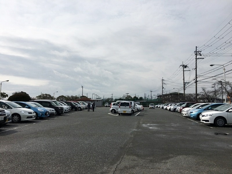 小野市総合体育館アルゴの駐車場