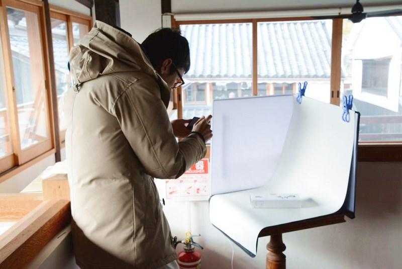 撮影する松本博樹さん