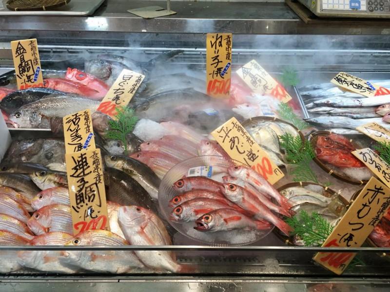 まるたかの魚売り場