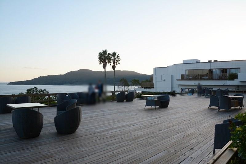 湯快リゾートホテル蘭風のウッドデッキの写真