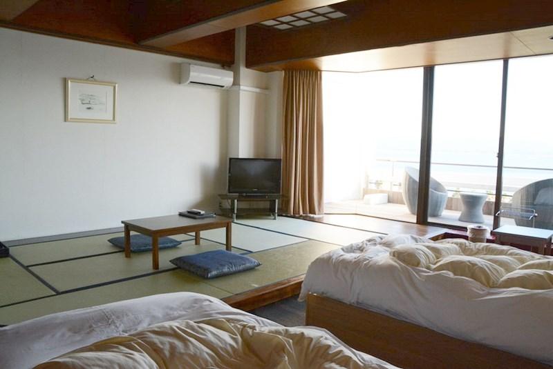 湯快リゾートホテル蘭風の和洋室の畳の写真