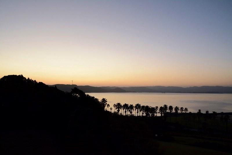 ホテル蘭風の部屋から見える日の出の写真
