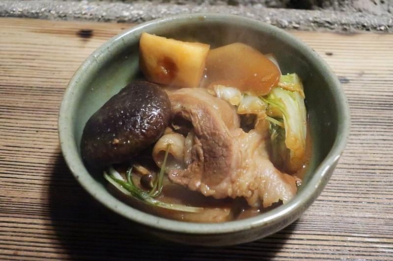 いわやのぼたん鍋を器に盛った写真