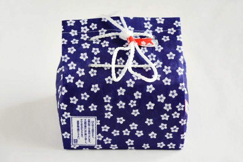 桔梗信玄餅のパッケージの写真