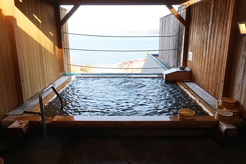 小浜「旅館ゆのか」の露天風呂(男性)の写真
