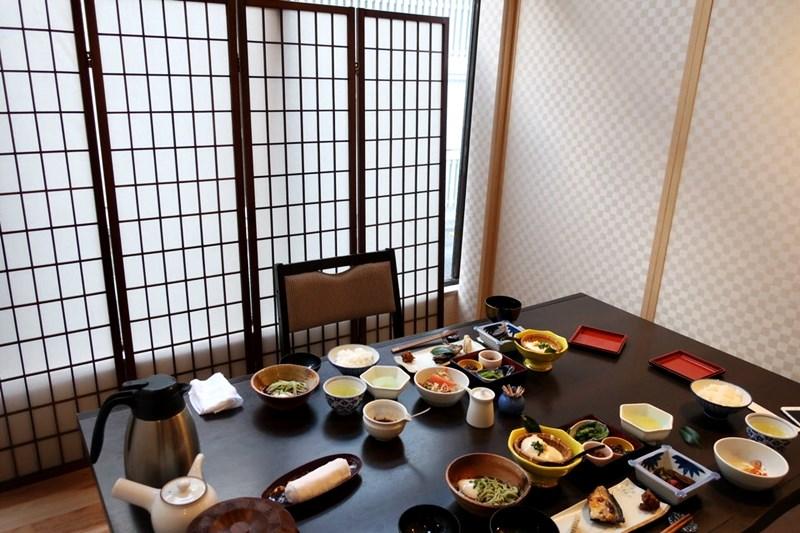 小浜「旅館ゆのか」の食事部屋(個室)