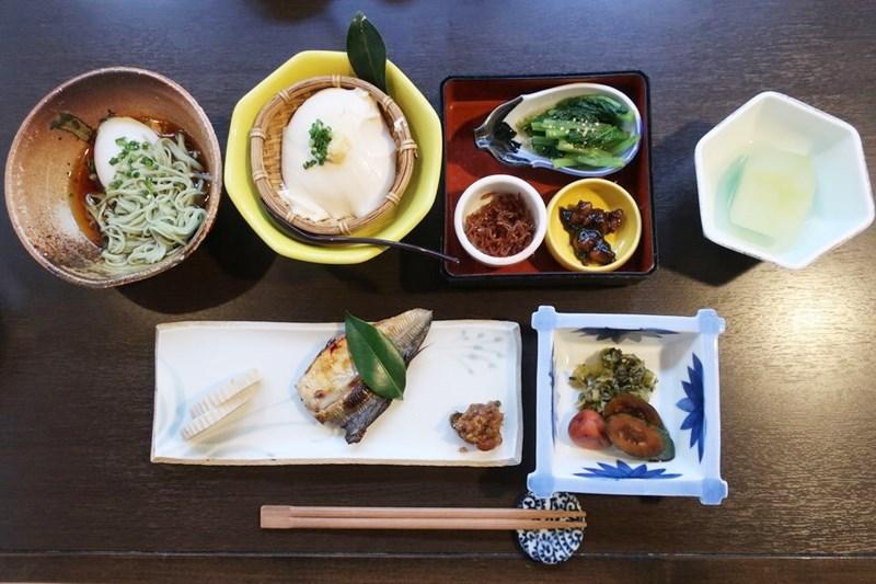 小浜「旅館ゆのか」の朝食の写真