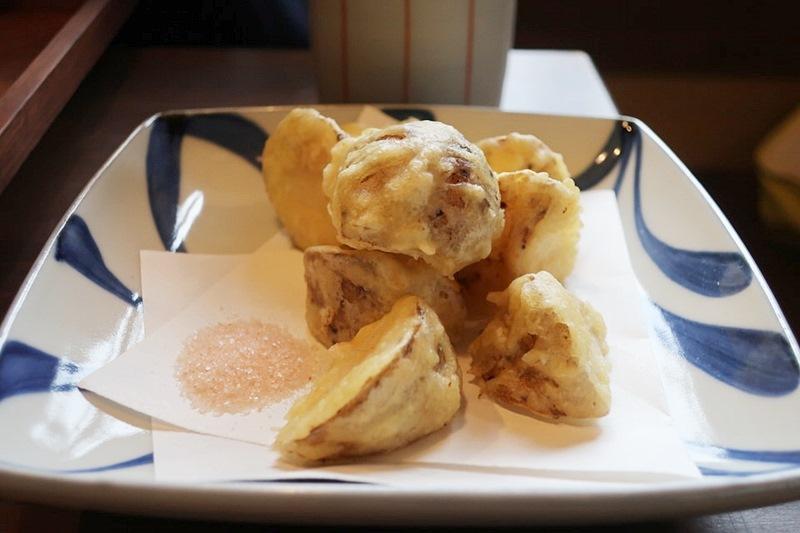手打ち蕎麦くげの大和芋の天ぷらの写真