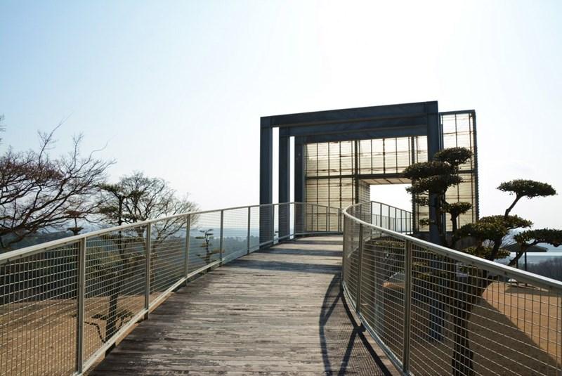 展望台と橋