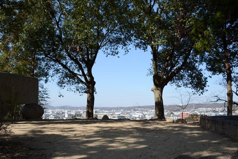 三木城の本丸跡の頂