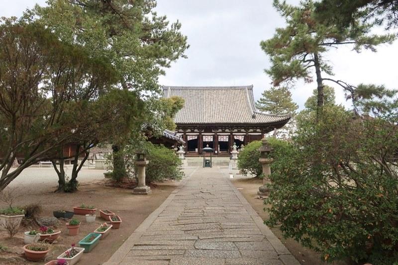 鶴林寺の参道