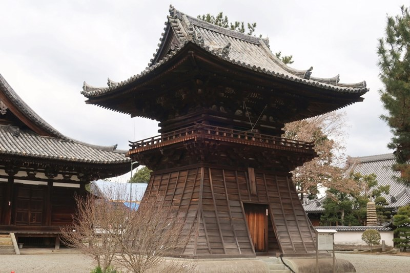 鶴林寺の鐘桜