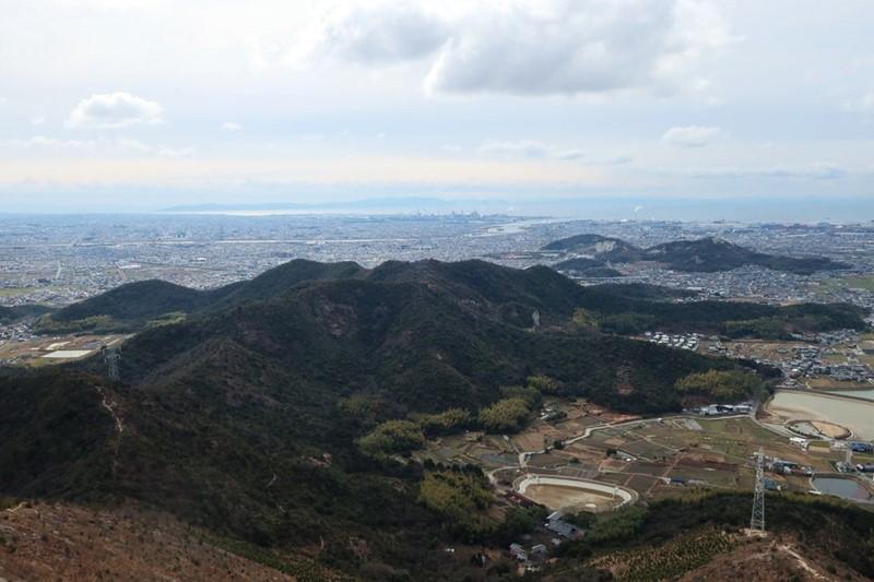 高御位山から見える小高御位山や加古川