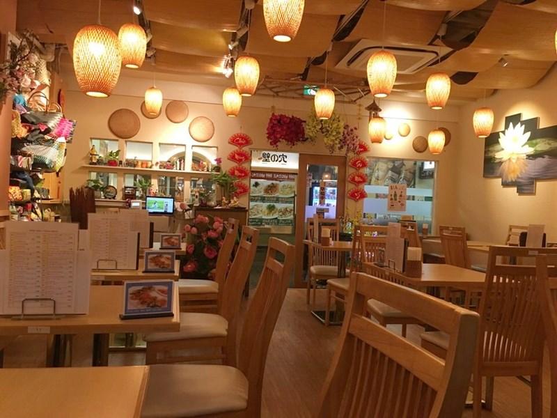 ベトナム料理ホイアンの店内