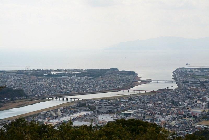 雄鷹台山の頂上から見える千種川