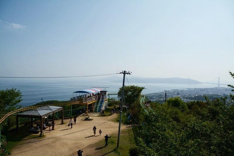 須磨浦山上遊園サイクルモノレール乗り場・レール・広場