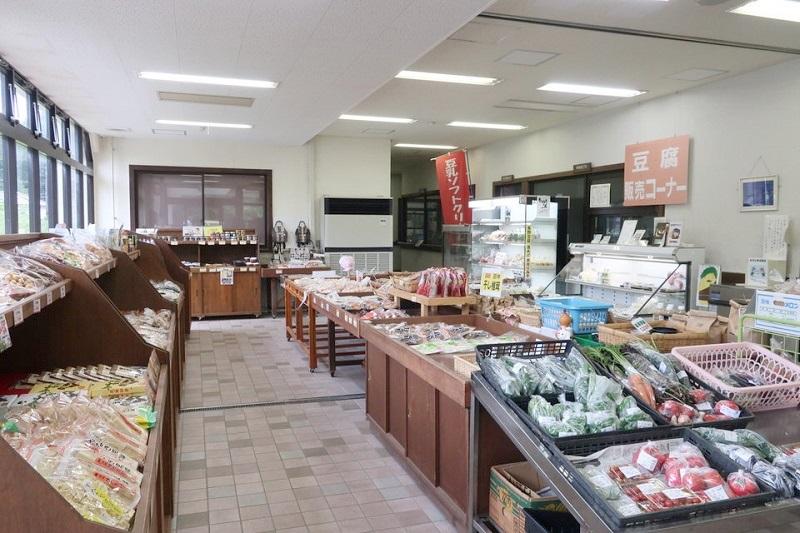 エアレーベン八千代の1階特産品・豆腐売り場