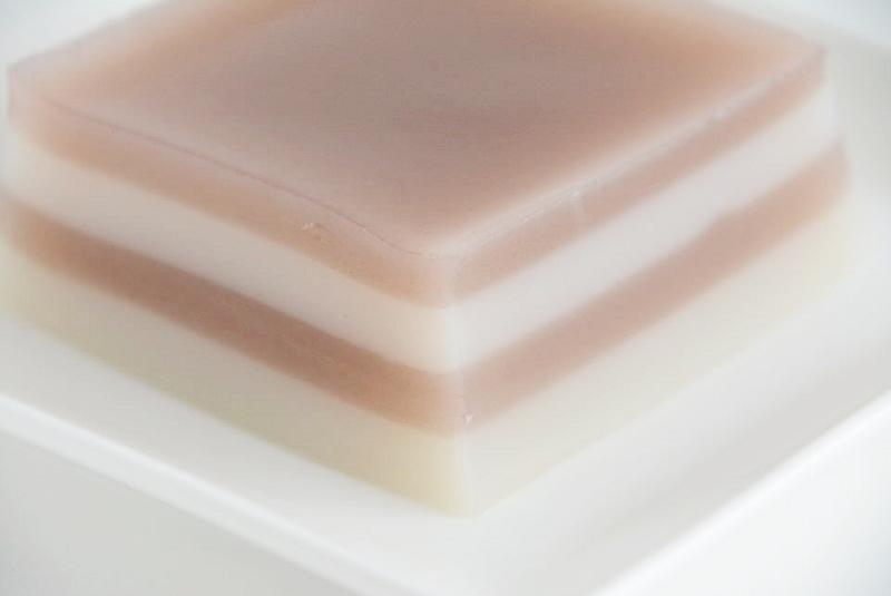 くすむら「豆腐屋さんの水ようかん」の豆乳と小豆の部分