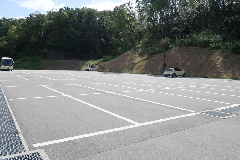 ネスタリゾート神戸の駐車場