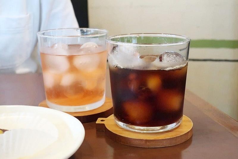 vergan cafe Thallo(ヴィーガンカフェタロ)のアイスコーヒーと紅茶