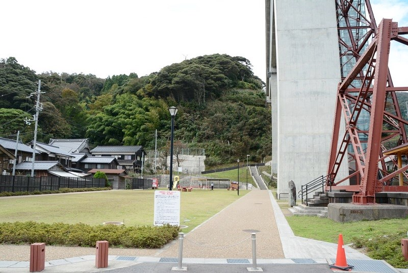 余部クリスタルタワーの向かい側にある公園