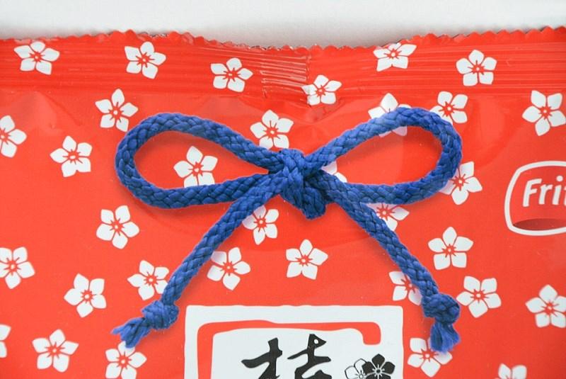 桔梗信玄餅の袋の青い紐