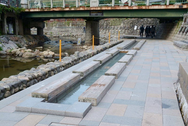 湯村温泉の足湯