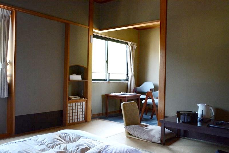 湯村温泉三好屋の和室内にある小部屋