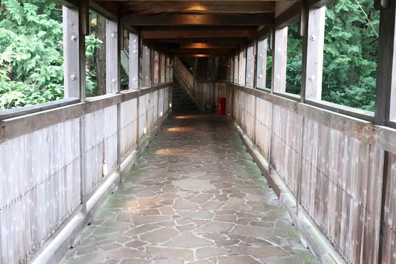 湯村温泉三好屋の露天風呂へ続く道
