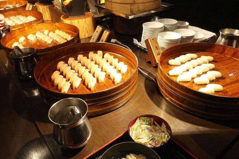 大江戸温泉きのさきの料理(寿司)
