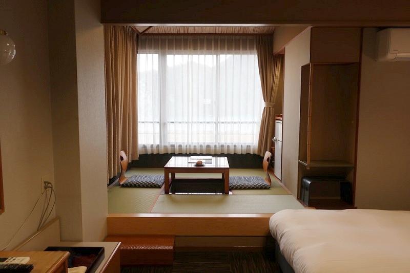 大江戸温泉きのさきの洋室にある畳部屋