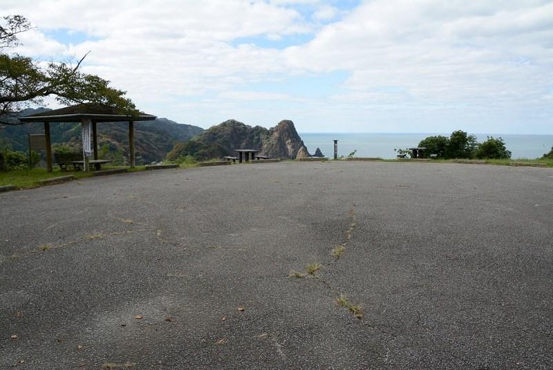新温泉町城山園地の駐車場