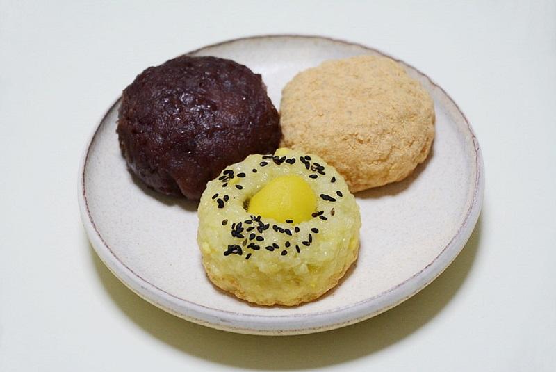 田吾作のおはぎ3種類(あんこ、きな粉、栗)