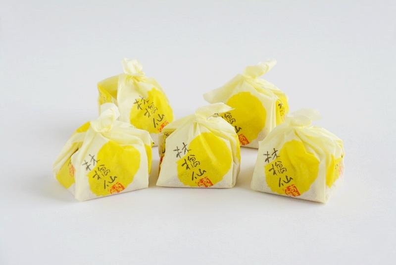 林檎仙の個包装が並んでいる